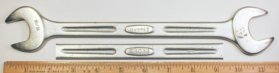 [Bonney E3032 15/16x1 Open-End Wrench in Streamlined Style]