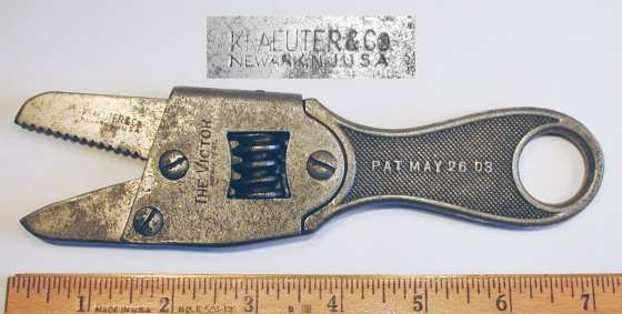 [Kraeuter Victor Adjustable Alligator Wrench]